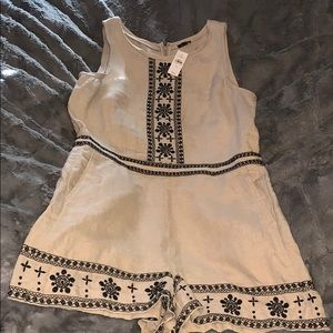 Loft Linen Embroidered Romper NWT Size 16